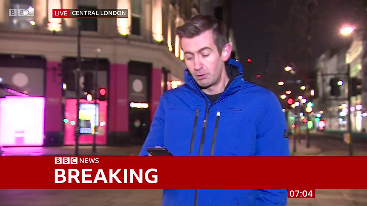 BREAKING: GDP fell 2.6% in November, during the second England lockdown. @BBCBenThompson is on Oxford Street for #BBCBreakfast with the details on the UK economic update. bbc.in/3qkkUuk