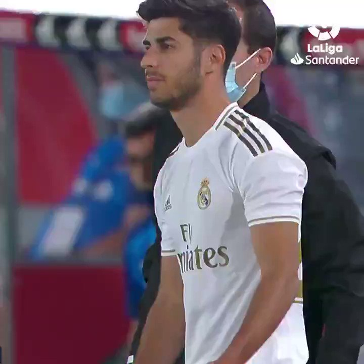 "Replying to @LaLigaArab: ""أسينسيو"" @marcoasensio10  الرائع 💫🔝💥  #LaLigaSantander"