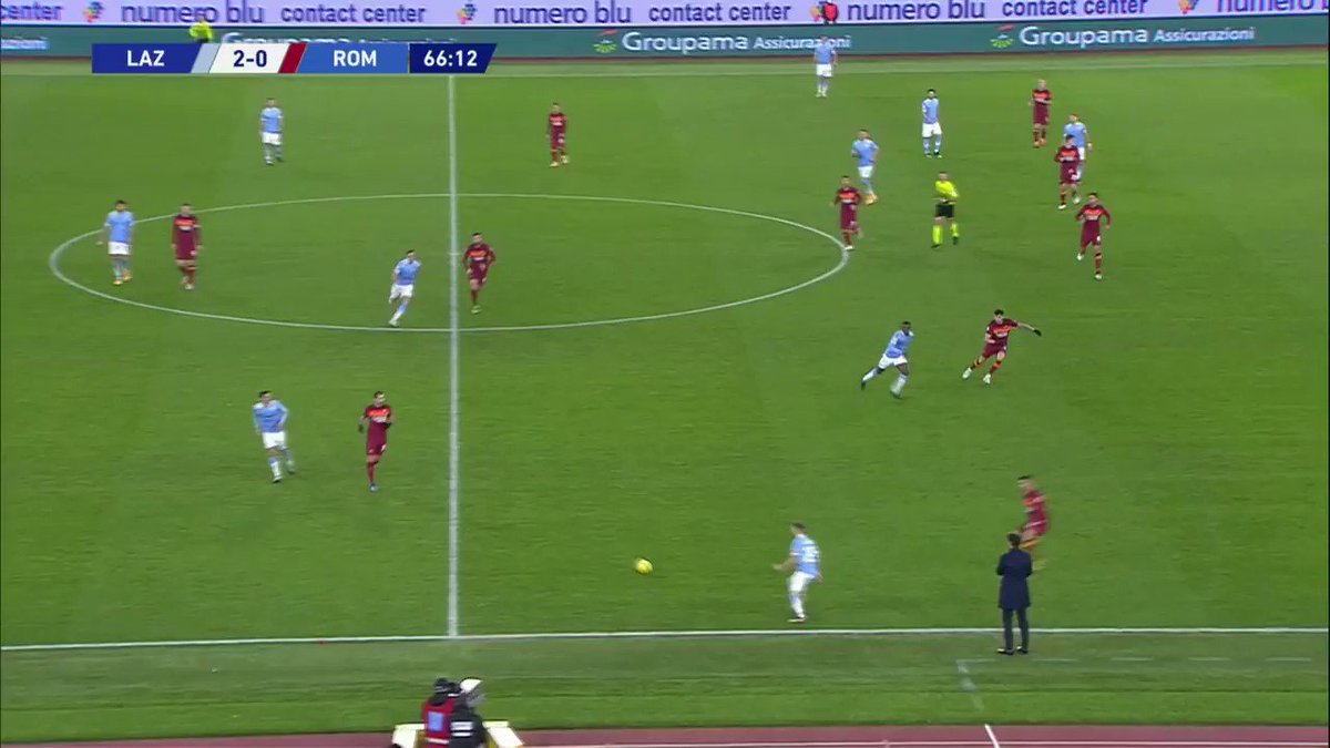 Luis Alberto with a classy finish to put Lazio 3-0 up in the Rome derby 🔥 https://t.co/9DMfwGegPi