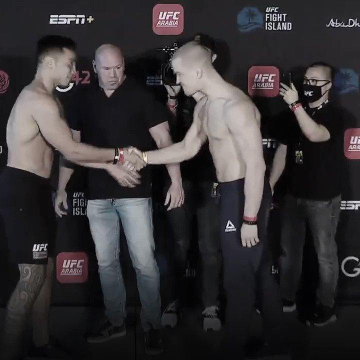 Será que vem nocaute aí? 👊👊👊  @Puna185 e @Todorovic_UFC abrem os trabalhos no card principal do #UFCFightIsland7!  Assista no @CanalCombate ➡   [#InAbuDhabi | @VisitAbuDhabi]