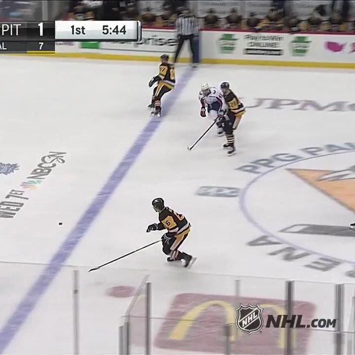 Career goal No. 707 for Alex Ovechkin (@ovi8). 👀 #NHLFaceOff  🇺🇸:  @NHLonNBCSports 🇨🇦:  @Sportsnet