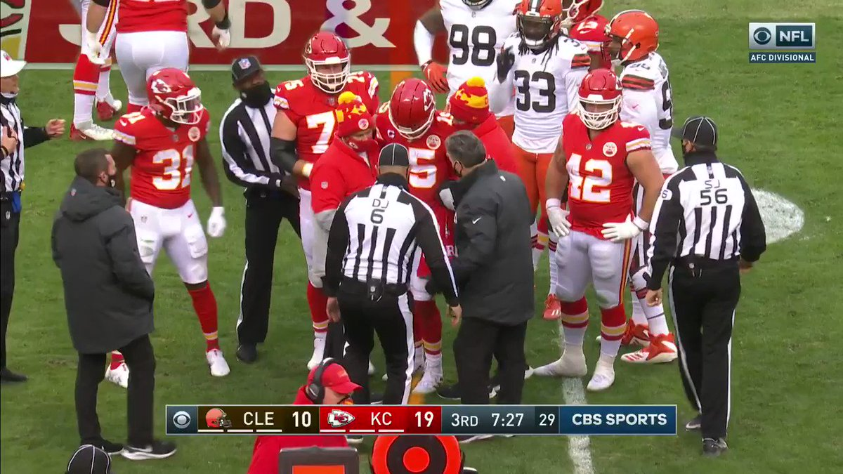 Patrick Mahomes headed off the field after being injured on a run play.   @NFLBrasil | #RunItBack