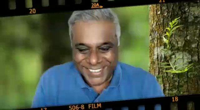 """""""Maine apne aap se kaha, Ashish duniya toh kahegi tu bik gaya lekin tu sach-sach bata ke tu Maa-Baba ko ache se rakhna chahta hai, thik-thak rakhna chahta hai ya apne passion ke prati..."""": @AshishVid   #TalkingFilms #BollywoodHungama YT:"""
