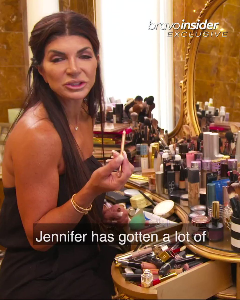 Make-up artist or Housewife? Get a full tour of @Teresa_Giudice's vanity and a tutorial on how she achieves her perfect daytime look. Click here: