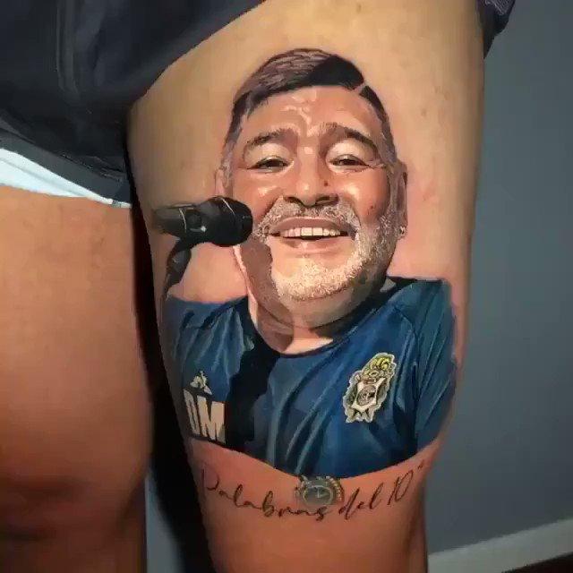 """🐺🔟 Patricio Monti, volante de Gimnasia, se hizo un impresionante tatuaje de Diego Maradona  🗣️ """"No existe nada más lindo que recordarte con esa sonrisa"""""""