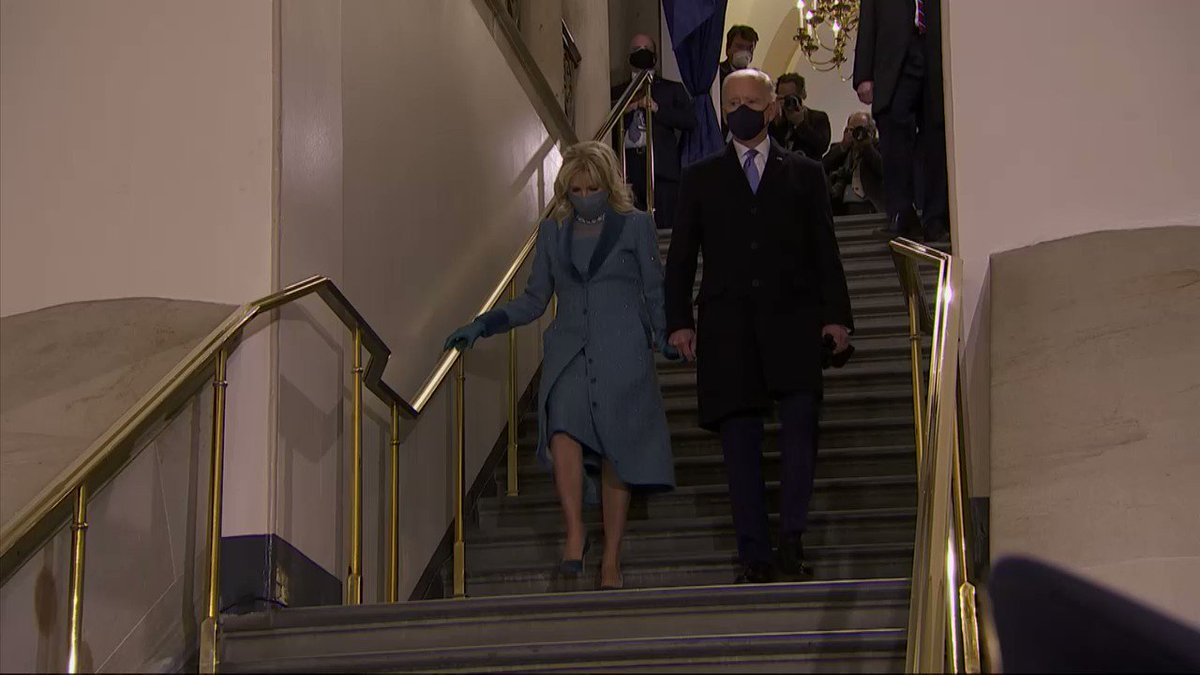 Purple, pearls and American designers: @AP takes a look at fashion during Wednesday's inauguration.  Full story by @litalie: