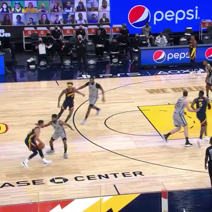 Stephen Curry. Show.  (🎥 @warriors)