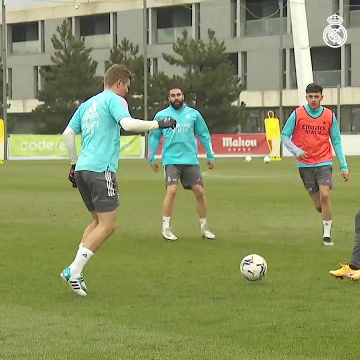 🎥⚡ الفريق يستعد للمباراة ضد ألابيس! #هلا_مدريد | #RMCity