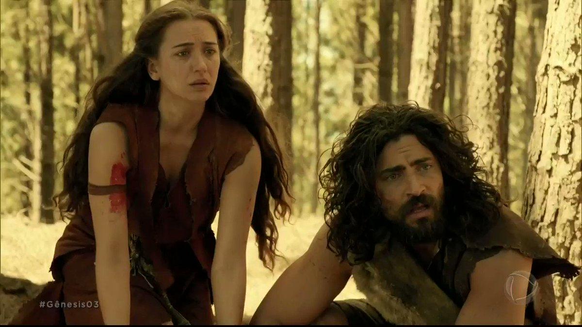 Replying to @NovelaGenesis: Eva percebe as mãos de Caim sujas de sangue e descobre o que aconteceu #Gênesis03