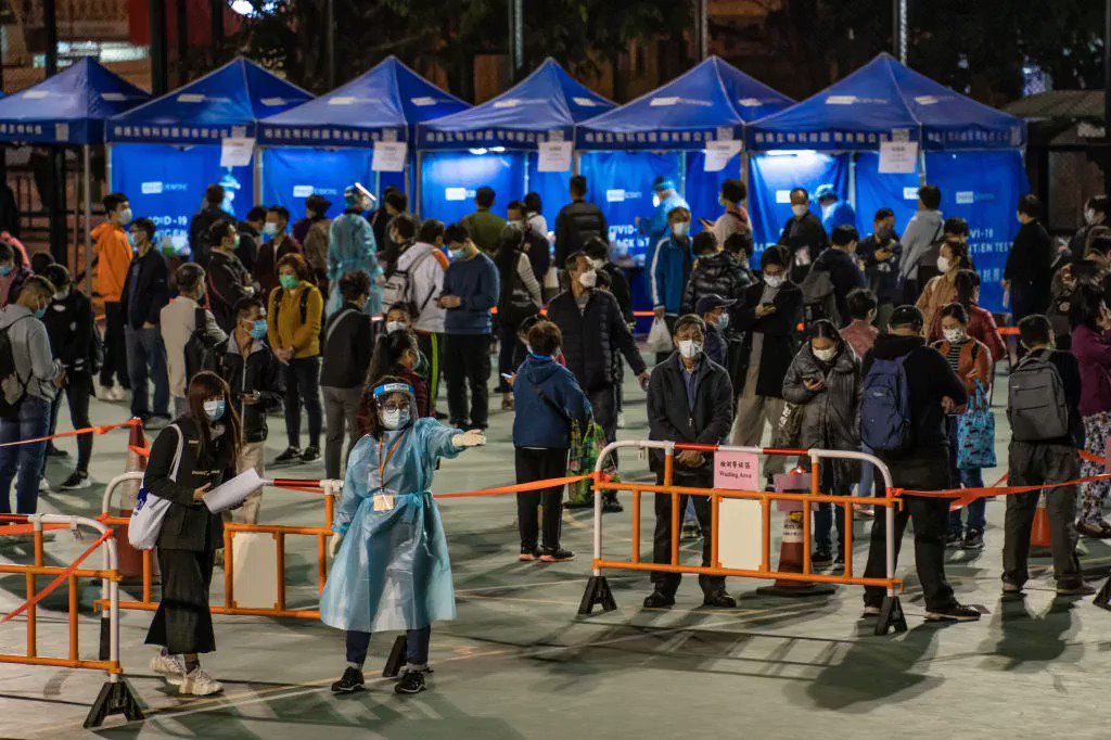 BREAKING: Hong Kong for the 1st time will lock down tens of thousands of residents to contain a worsening #coronavirus outbreak, SCMP reports. - Lockdown to begin this weekend - Areas affected: Core urban district of Kowloon  - Some exemptions apply