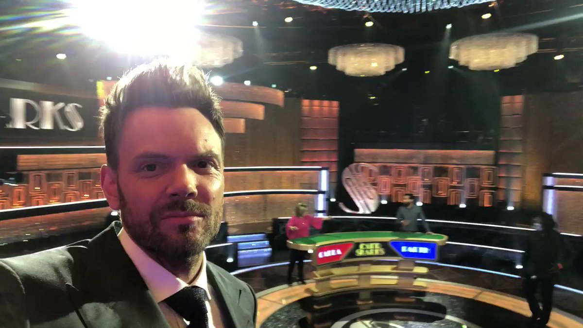 Replying to @cardsharksabc: Get your game on TONIGHT with an all-new episode of #CardSharks hosted by @joelmchale! 🤞💰