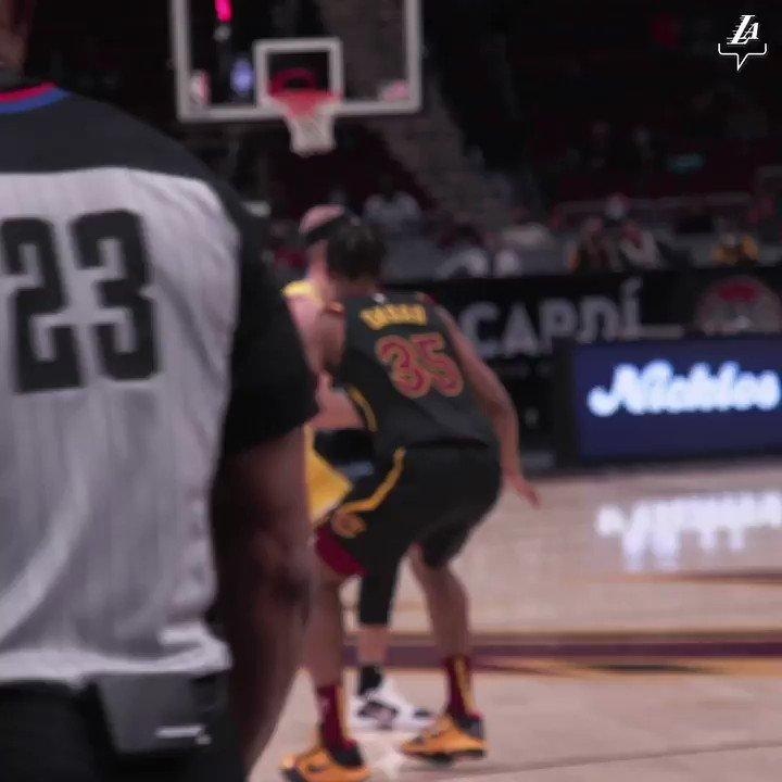 Replying to @Lakers: Logo LeBron 🔭