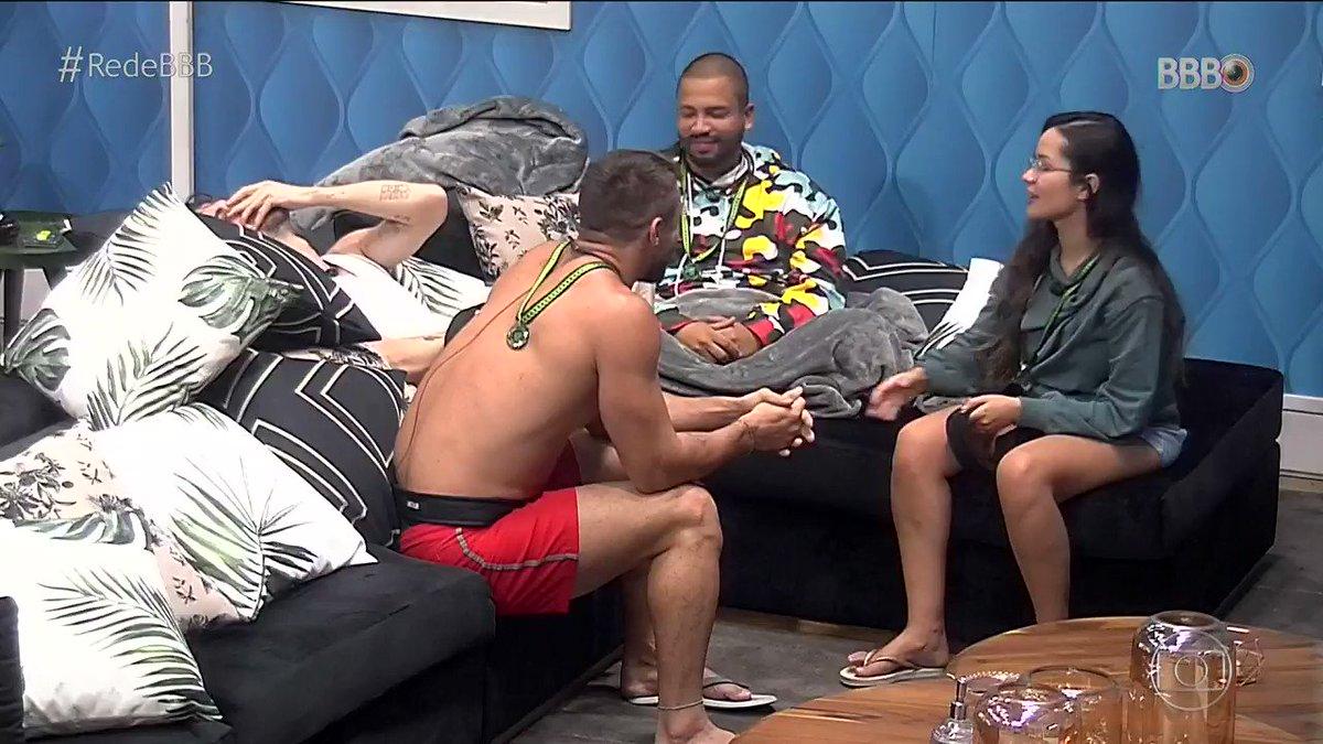 A @cleo está cheia das cunhadas! 😂 #BBB21 #RedeBB