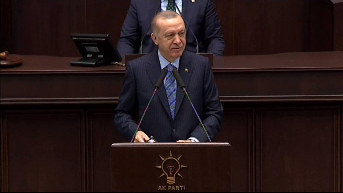 Genel Başkanımız ve Cumhurbaşkanımız @RTErdogan: Aslında bunlara göre, milletin kendilerine oy vermeyen yüzde 75'inin tamamı militan. Bu hastalıklı zihniyete göre, CHP'ye oy vermeyen hiç kimse onur, şeref, namus sahibi olma hakkına da sahip değildir.