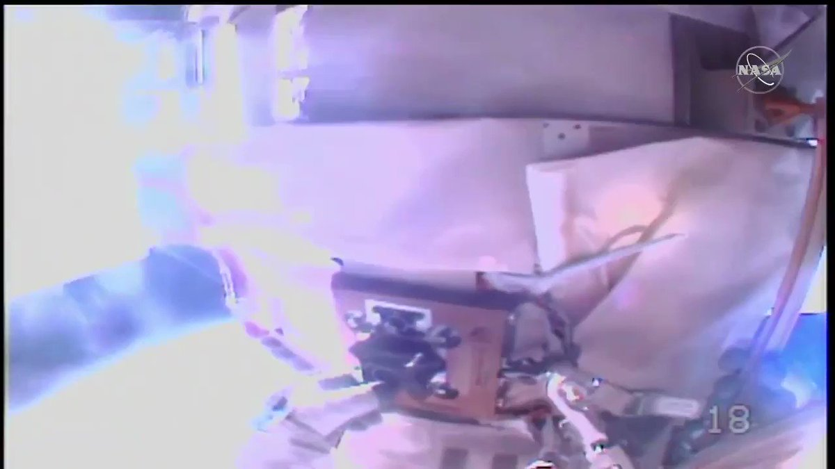 Success! With a bit of strength and skill, @Astro_illini removed the H-fixture from the @Space_Station, opening the slot for future solar array system upgrades. Now, he and @AstroVicGlover are returning to the airlock to wrap up today's spacewalk.