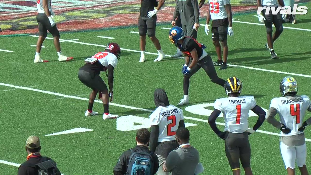 One of the best plays of the day so far @seniorbowl   South Dakota State WR Cade Johnson @cade_johnson with the one-handed snag during one-on-ones  @RivalsDraft