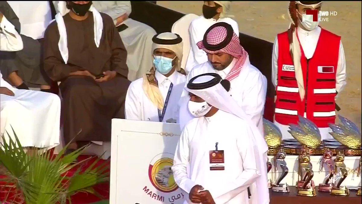 فيديو سعادة الشيخ جوعان بن حمد آل ثاني رئيس اللجنة الأولمبية القطرية يتوج الفائزين بمنافسات مهرجان مرمي 2021