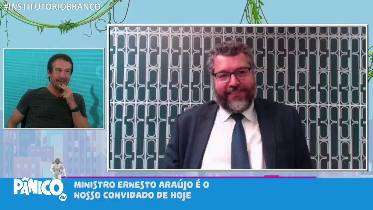 No programa de hoje Ernesto Araújo: 'Brasil é um livro de romance, mas haviam colocado capa de terror e vendido para os EUA'.  Dá uma olhada: