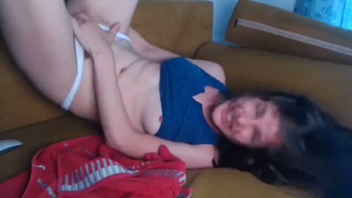 Acıbadem escort kadını domaltmış bağırta bağırta sikiyor