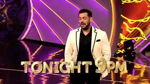 .@BeingSalmanKhan ne diya #RakhiSawant ko ek surprise! Aa rahe hain @Riteishd milne #BB14 ke finalists se. Dekhiye aaj raat 9 baje, #Colors par.  Catch it before TV on @VootSelect. #BB14GrandFinale #BiggBoss14Finale #BiggBoss #BiggBoss14 @AmlaDaburIndia @LotusHerbals