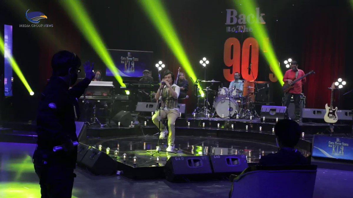 Nantikan Konser Back to The 90's, Cinta Untuk Semua with @KLaProject Jumat, 26 Februari 2021 pukul 20.05 WIB di @metro_tv  #klaproject #katonbagaskara #metrotvbacktothe90s #klanese #generasi90an #medcomid #TerusMemberiArti #carabarumenikmatimedcom @katonbagaskara