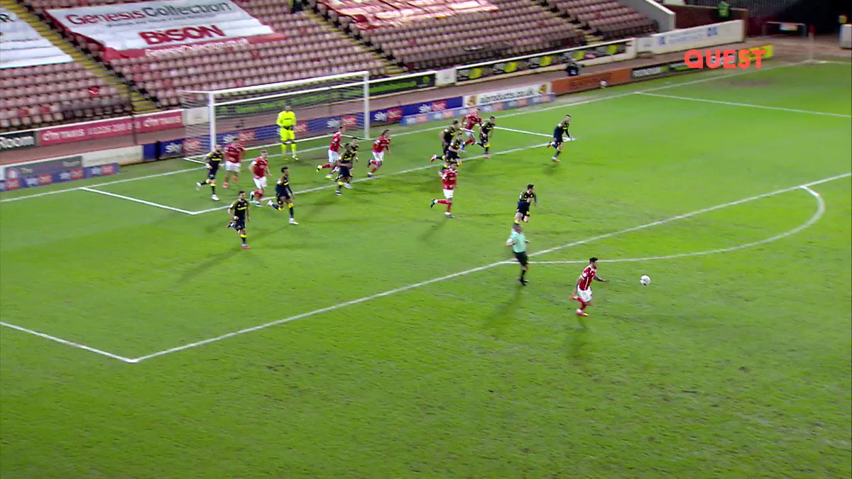 Whip it! ☄️  @BarnsleyFC's @Callum_styles10 finds the side netting in... style 🤦  #EFLonQuest - Tonight at 10.30pm #EFL #YouReds