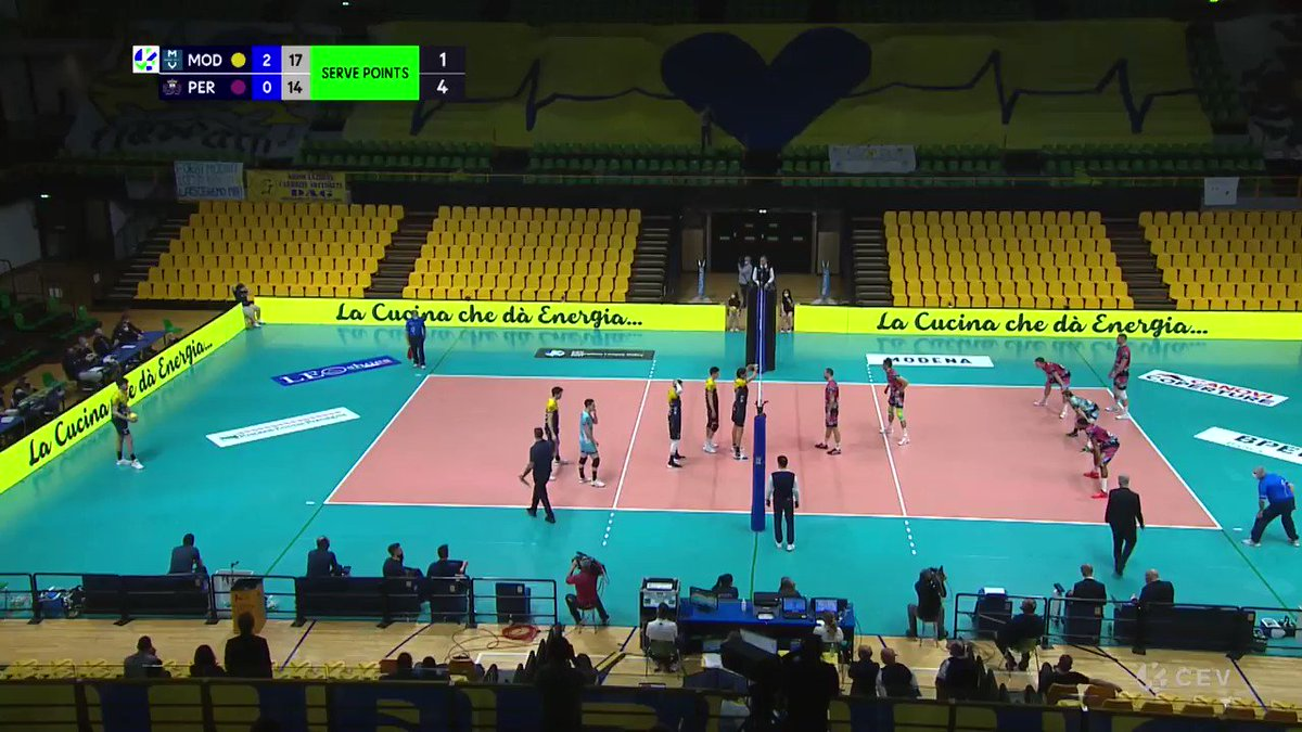 Grebennikov's back to back digs on Leon is just out of this world!!!  https://t.co/zKN5wFz1JN has more Champions League #CLVolley videos for you!  📹 @CEVolleyball 🏐 #Volleyball https://t.co/yjEUTTs23y
