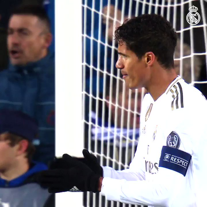👏 @RaphaelVarane x @RealMadrid: 🚩 350 partidos 🙌 234 victorias 🏆 18 títulos ⚽ 17 goles #RealFootball