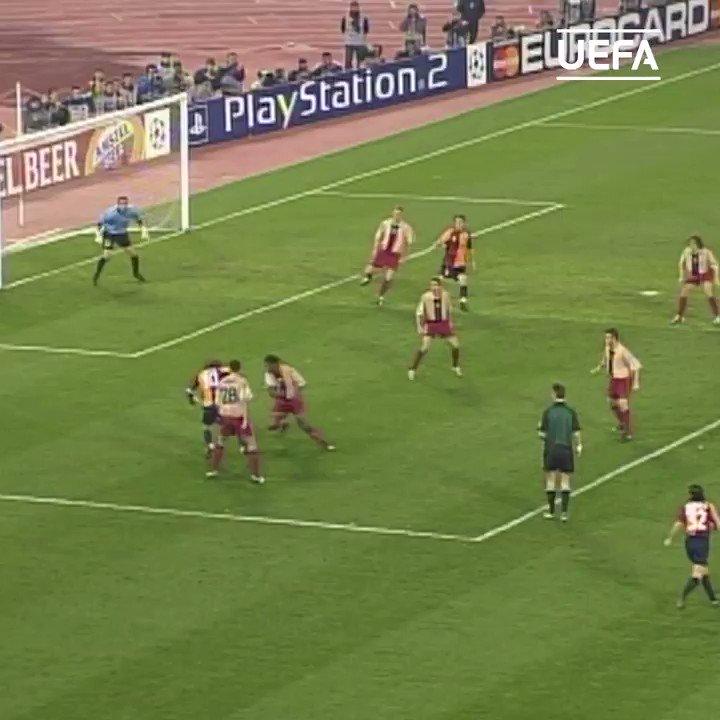 🟡🔴 Memorable Roma win against Barcelona #OTD in 2002...  ⚽️ Emerson, Montella, Tommasi   @OfficialASRoma | #UCL https://t.co/jnGzgHFIk6