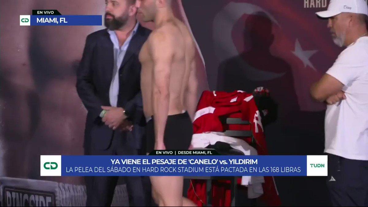 ¡Ambos boxeadores dan el peso! 💪  Canelo y Yildirim ya están listos para subir mañana al ring. 🥊  #Canelo | #Yildirim | #Box