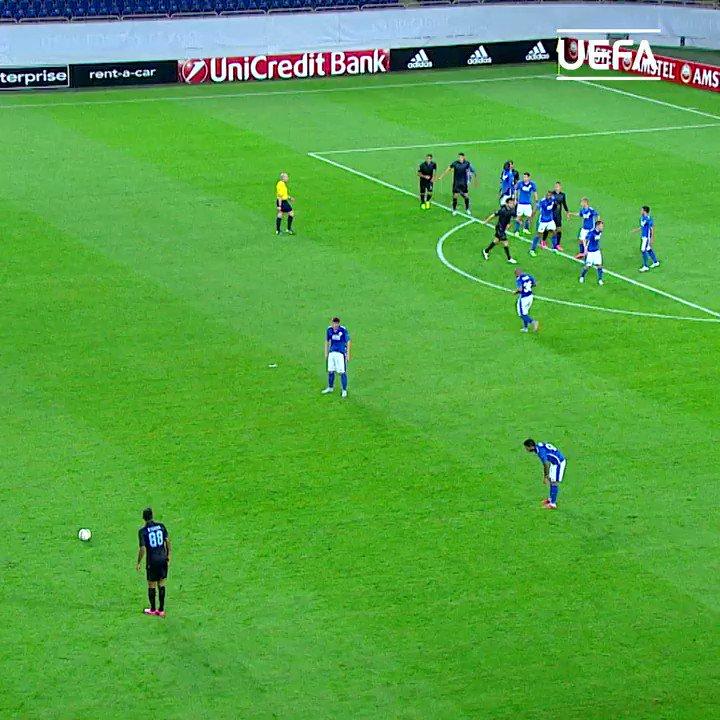 HB à Sergej Milinković-Savić 🎂  Le milieu de @Lazio_FR fête ses 26 ans aujourd'hui. Notre 🎁, son premier but en #UEL   Milinković-Savić pour toi, c'est ___💬 https://t.co/3Sp7wKDY99