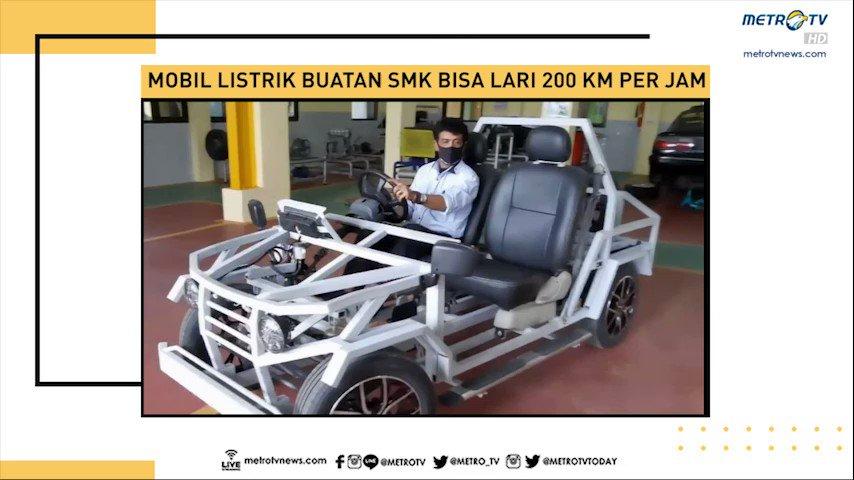 Siswa SMK di Kabupaten Sidoarjo membuat mobil listrik yang diklaim bisa lari 200 kilometer per jam. Mobil listrik ini dibuat dengan memakan dana sekitar 45 juta rupiah dan pengerjaannya hanya tiga minggu saja.  #SPIMetroTV #KnowledgeToElevate