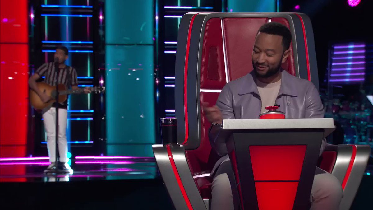 The moment you realize that you just got #BlockedShelton 😤 #TheVoice