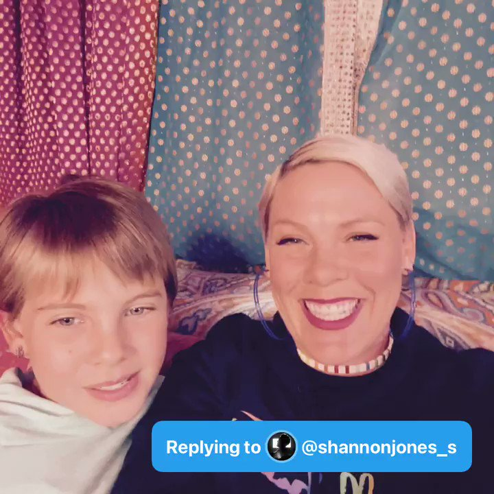 @Pink Q: does willow enjoy singing or moto more? #AskPinkAndWillow - @shannonjones_s  A: https://t.co/9MK13H6IYs