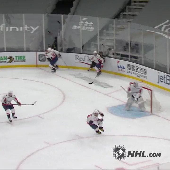 @NHL's photo on Bergeron