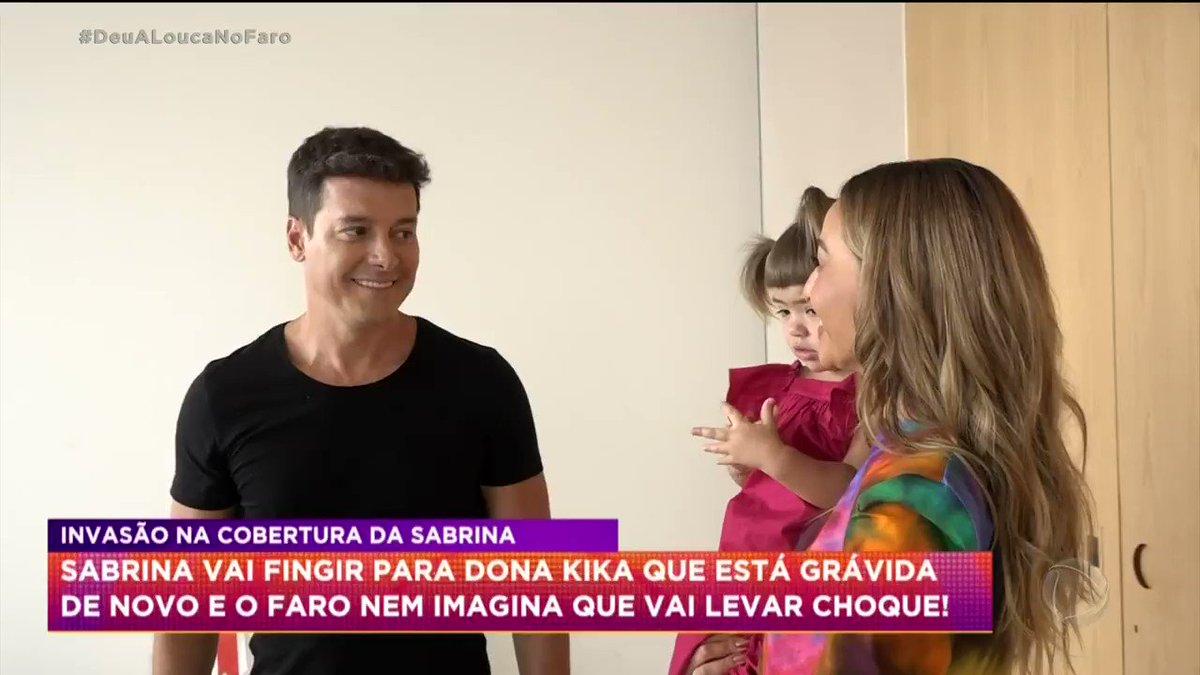 Replying to @recordtvoficial: Eu não sei se dou mais risada do Faro ou da Sabrina 🤣 #HoraDoFaro #DeuALoucaNoFaro