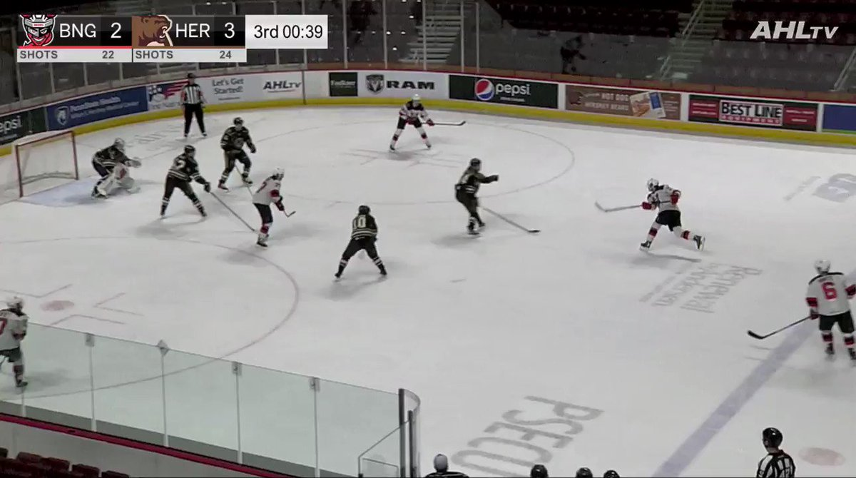 Image for the Tweet beginning: Studa ties the game and