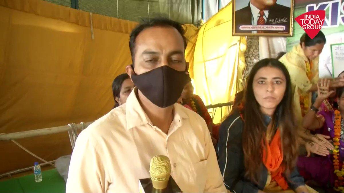 गाजीपुर पर जब महिलाओं ने रचाई इंकलाब की मेहंदी.....महिला दिवस पर कैसे बदल गया आंदोलन का माहौल। गाजीपुर बॉर्डर से  @KumarKunalmedia की रिपोर्ट. #ReporterDiary #InternationalWomensDay
