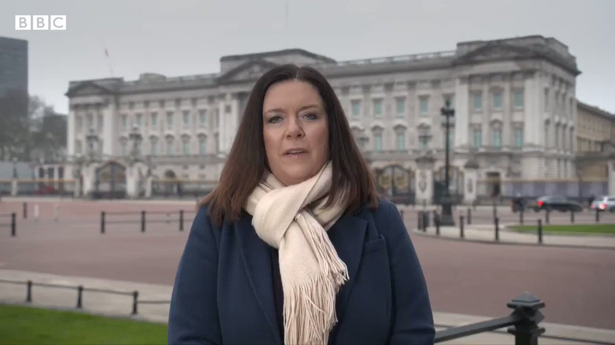 """""""It was very direct and very critical of some of the actions within the Palace walls, Buckingham Palace may feel they want to say something""""   Royal Correspondent Daniela Relph has the details of Meghan & Harry's 'deeply personal' interview with Oprah."""