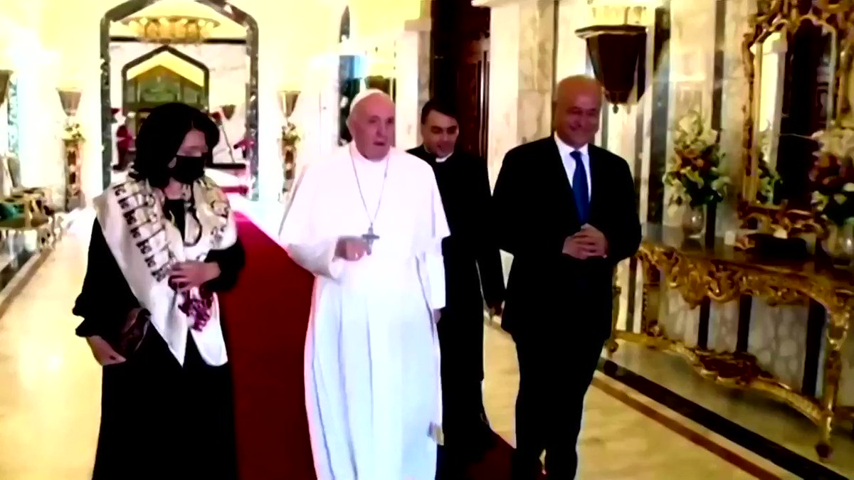 Pope Francis ended his historic tour of Iraq, flying out of Baghdad after visiting cities torn apart by conflict, meetings Muslim and Christian leaders and preaching a message of peace and coexistence over war https://t.co/FHslN7bQqq https://t.co/m5UhNWzeNU