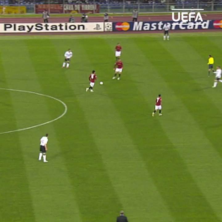 🤯 Sensational @Cristiano Ronaldo header against Roma in 2008!  @ManUtd | #UCL https://t.co/PkLGXRh0DY