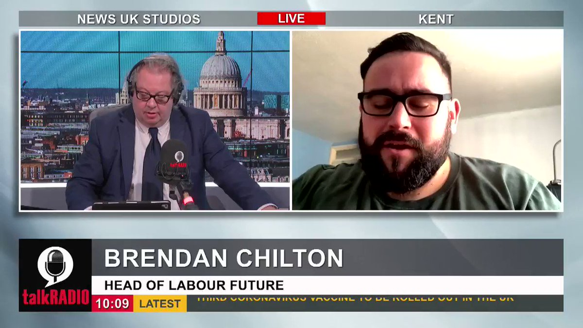 Head of Labour Future, Brendan Chilton, says it would be absolutely bonkers for Keir Starmers Party to support vaccine passports. Watch talkRADIO LIVE ► youtu.be/zc-9k1SbJ_Q @Iromg | @BrendanChilton