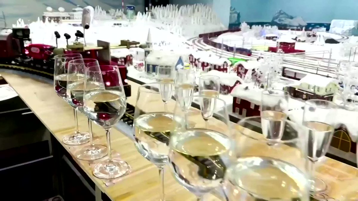 Germany's Miniatur Wunderland museum has earned a Guinness World Record for creating the longest melody with 2,840 wine glasses https://t.co/ox49Vceflu https://t.co/edk6kvLOfT