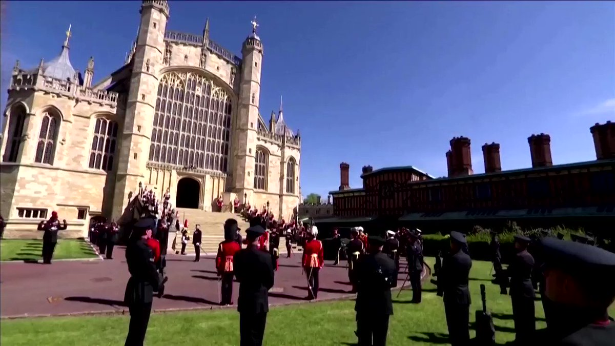 Queen Elizabeth and her family paid their last respects to Prince Philip at his funeral in Windsor https://t.co/LsjKHL3SJw https://t.co/06C41QW6Dh