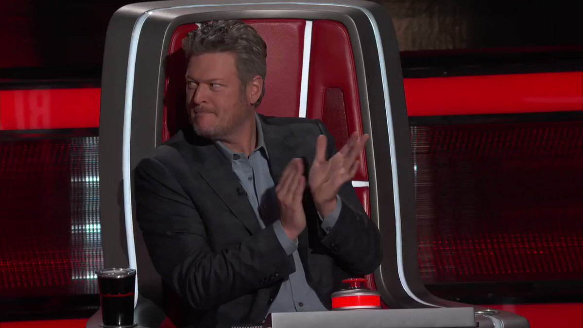 Glad I waited to use my steal on @annagfmusic! You're welcome @KellyClarkson! #TeamBlake #TheVoice