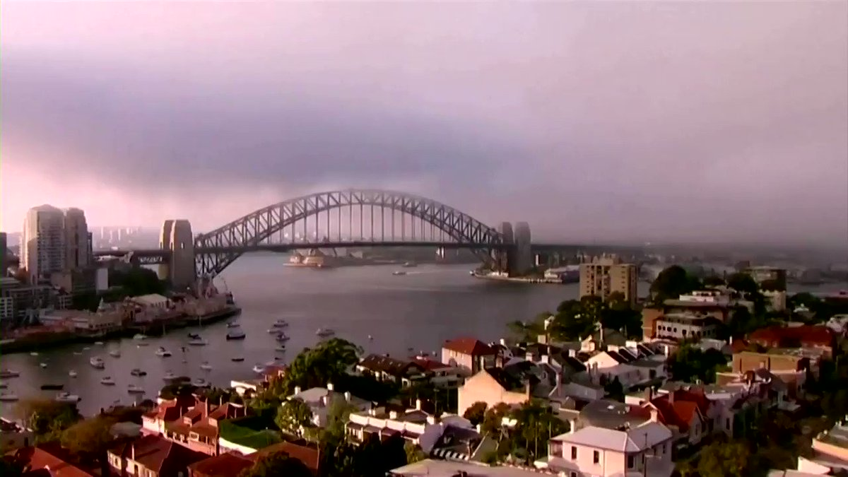 WATCH: Fog and smoke enveloped Australia's largest city of Sydney, concealing landmarks like the Sydney Opera House and Harbour Bridge https://t.co/ODMWQ4DUbi