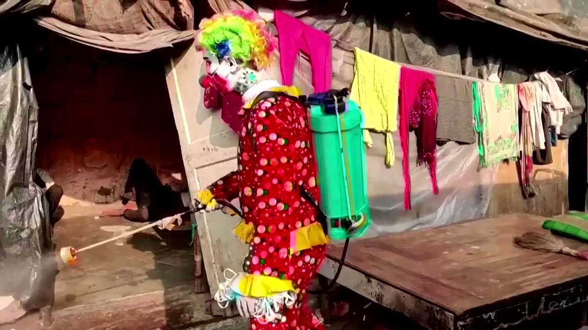 WATCH: Man dressed as a clown is disinfecting impoverished areas in India's Mumbai https://t.co/jPxL6xYQ2S