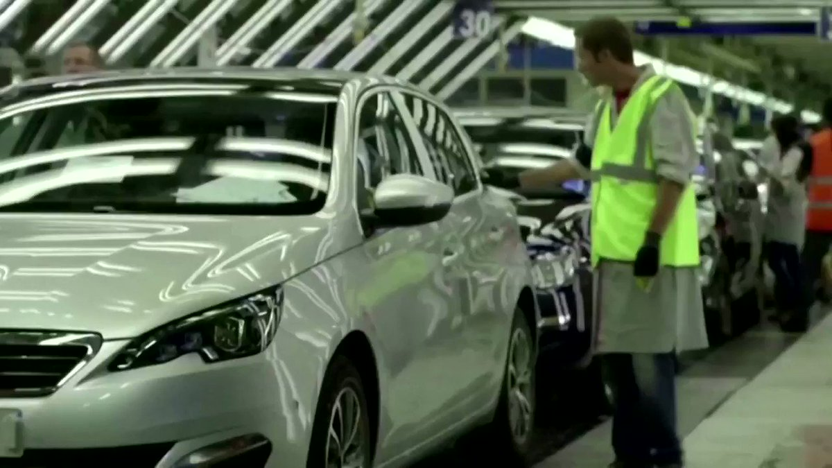 WATCH: Car group Stellantis, the maker of Fiat, Citroen and other brands, says the global chip shortage could hit production more this quarter than in the first three months of the year https://t.co/cYHDPWztNL https://t.co/9OceChFxV2
