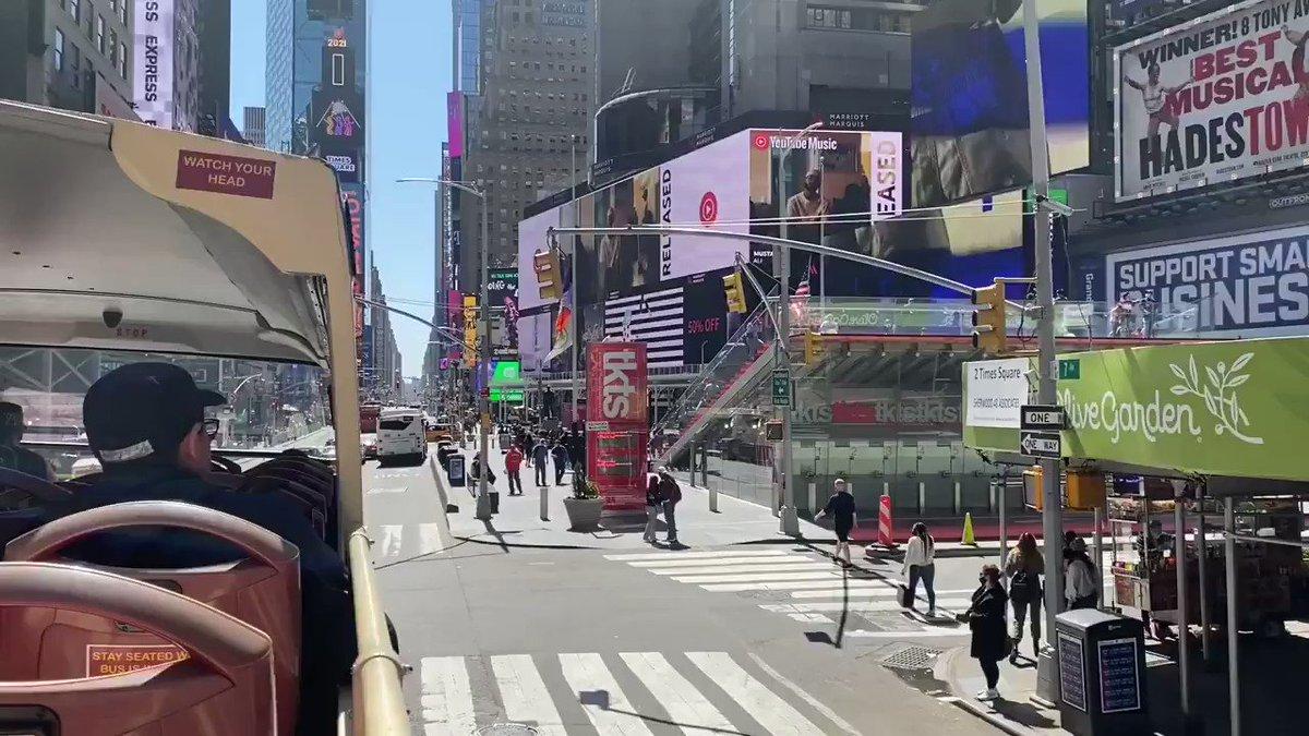 Hop on Hop off Bus über #TimesSquare und 42nd Street