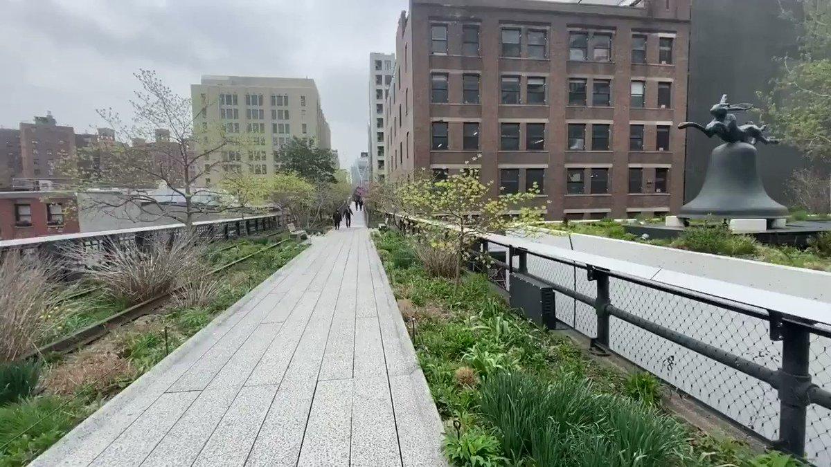 Genießt euren Sonntag mit einem 15-minütigen virtuellen Spaziergang im High Line Park (Ton an für das volle Erlebnis🔉)